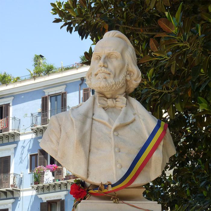 jardin garibaldi statue palerme