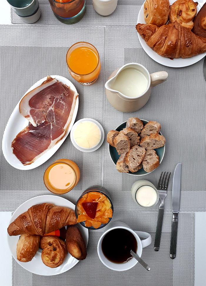 breakfast la maison vintage croissant