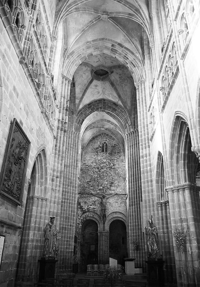 cotes d'armor treguier cathedrale michel
