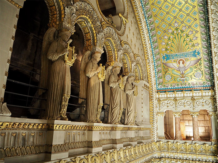visite toits fourviere anges statues