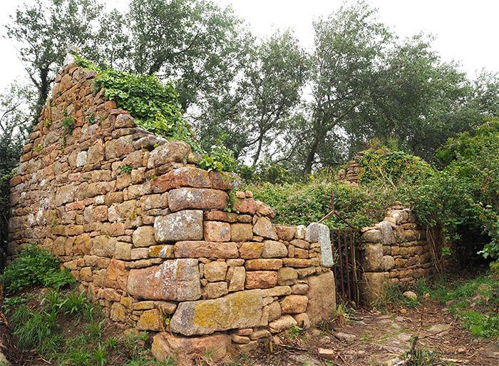 ruines chapelle riom brehat ile