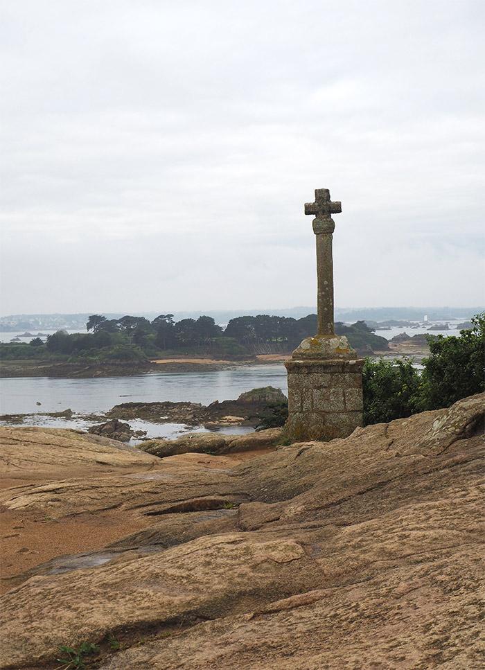 croix saint michel ile brehat