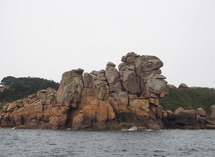 cote granit rose rochers