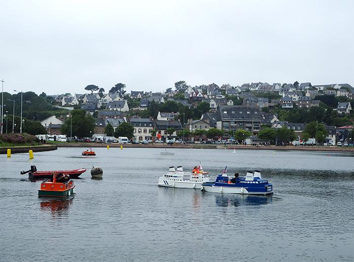 port miniature bateaux perros guirec enfants