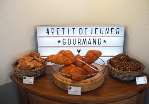 croissants boutique hotel hydrangeas