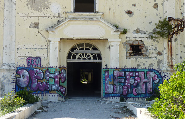 kupari croatie grand hotel abandonne