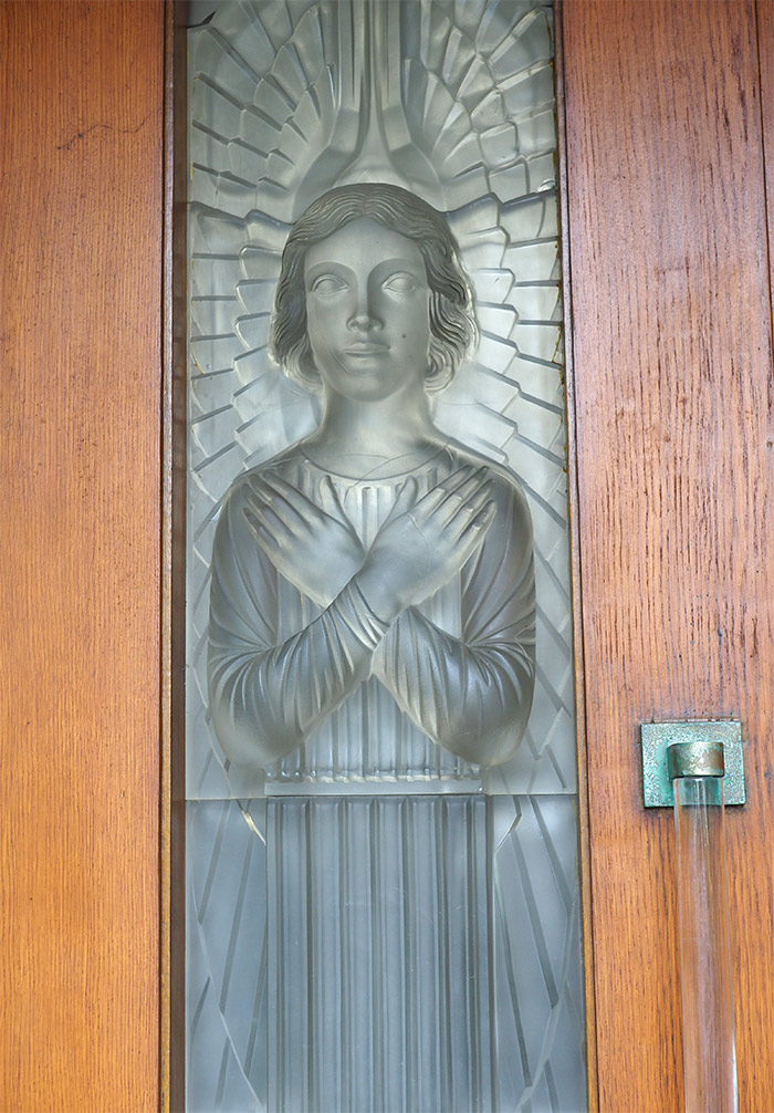 glass church lalique jersey