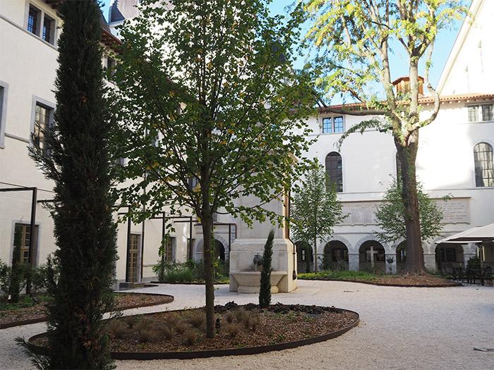 cour saint henri grand hotel dieu