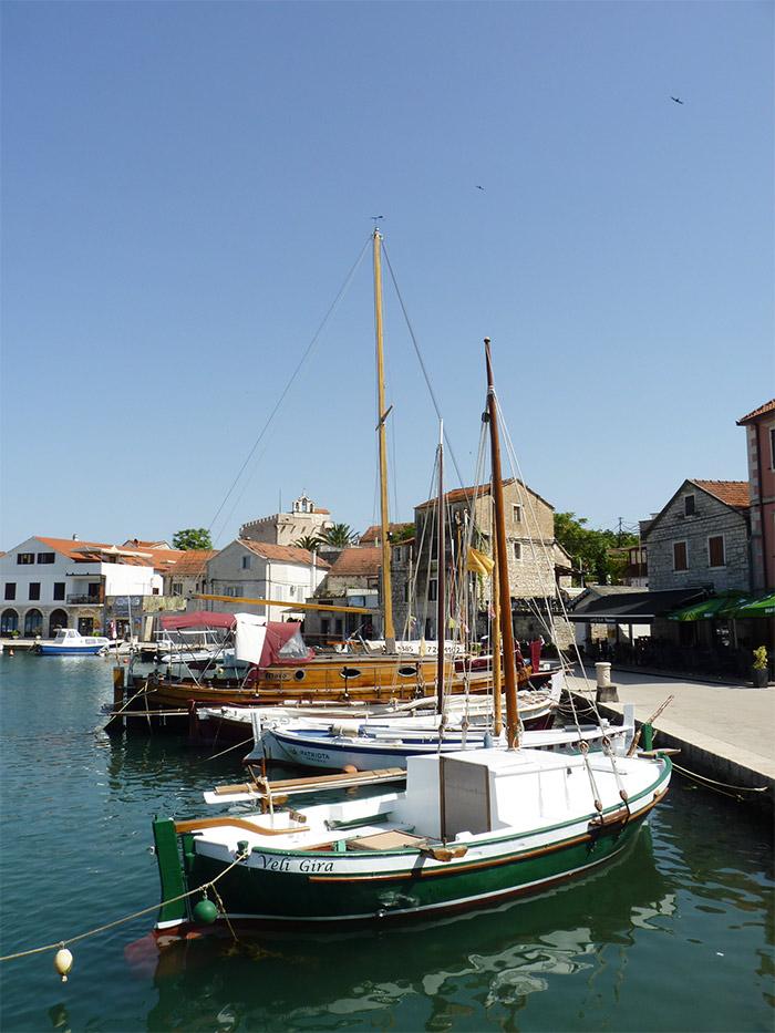 vrboska port croatie