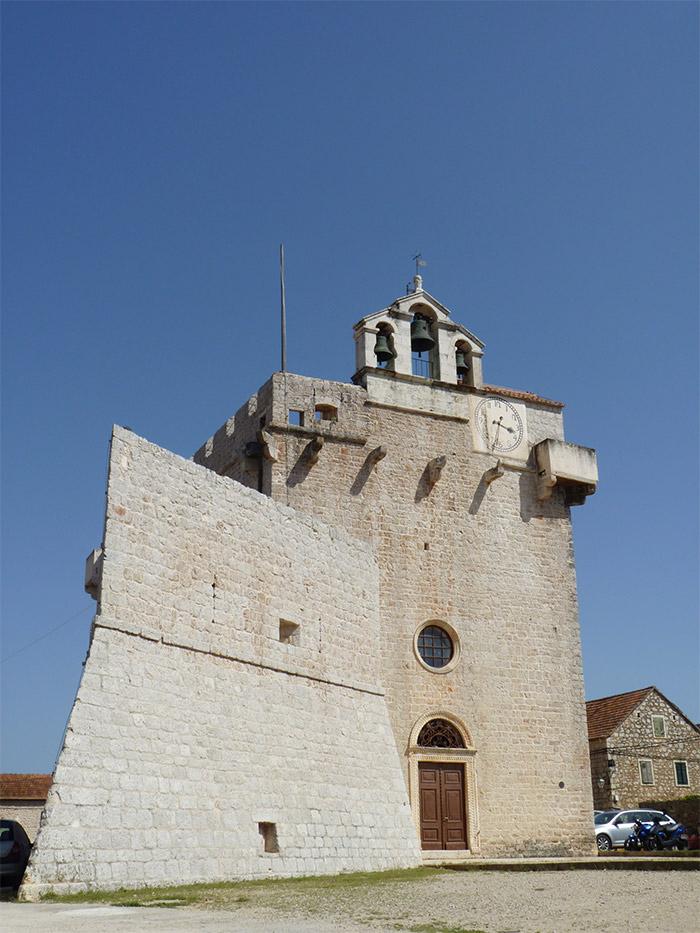 sainte marie forteresse eglise vrboska croatie