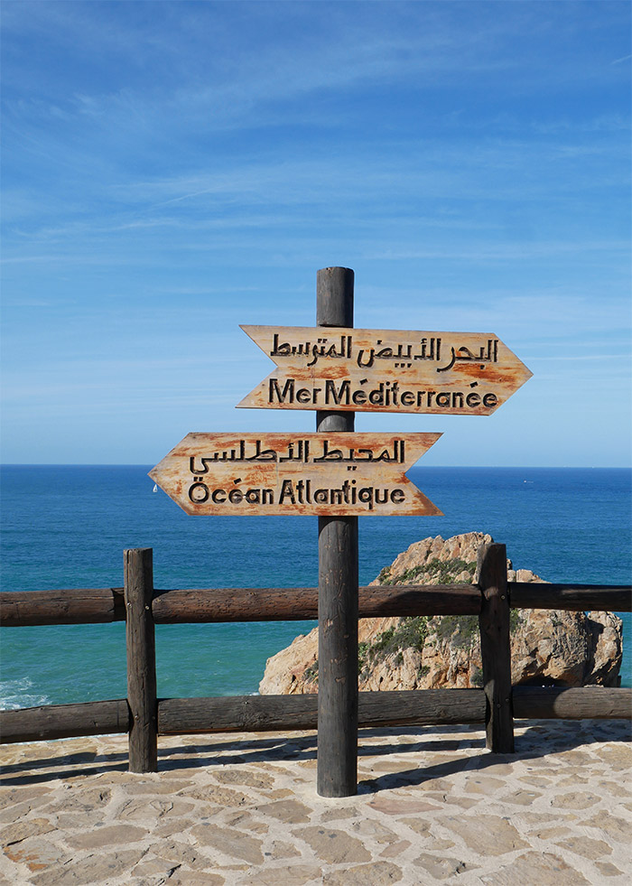 Maroc Cap Spartel pancartes océan