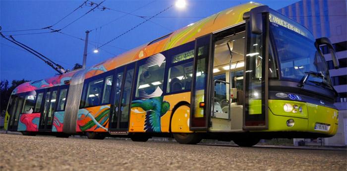 kalouf street art bus C3 lyon