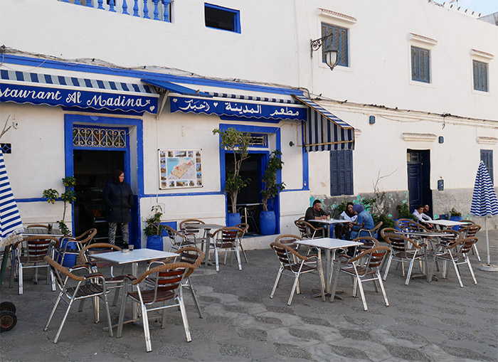 Asilah cafés place Abdalla Guennoun