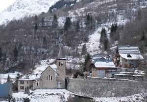 oisans vaujany village isere eglise