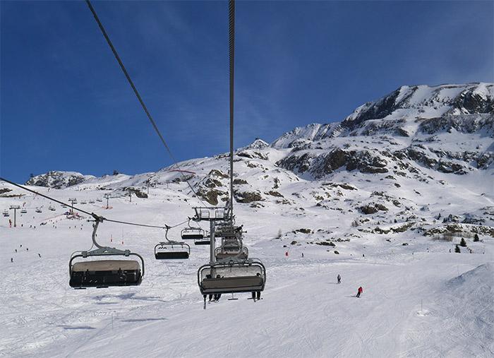 remontees mecaniques pistes neige ski oisans