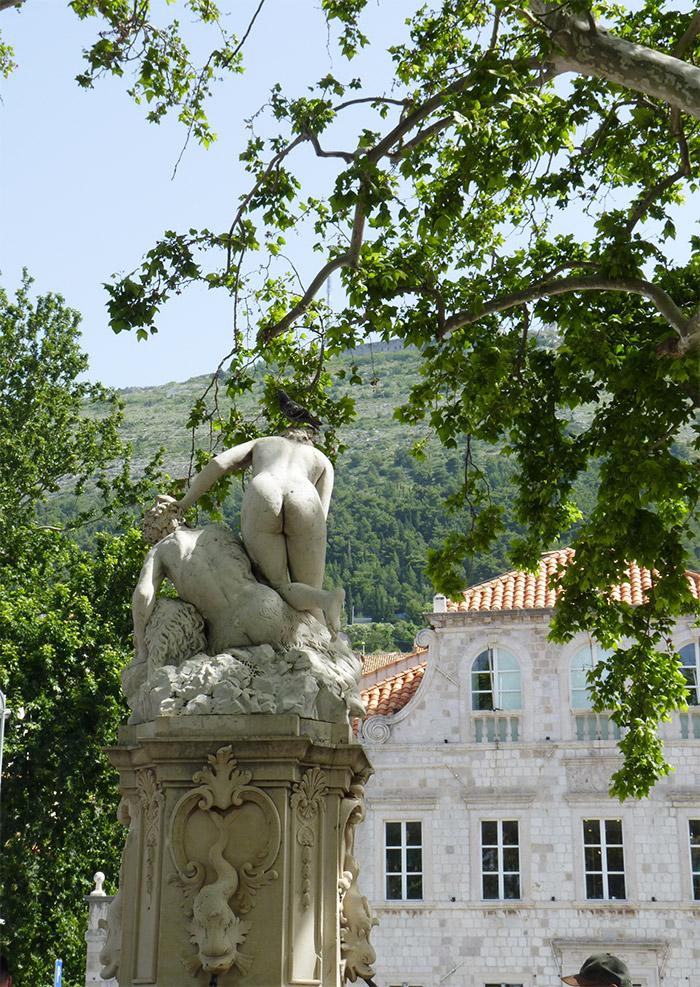 dubrovnik statue porte Pile Croatie