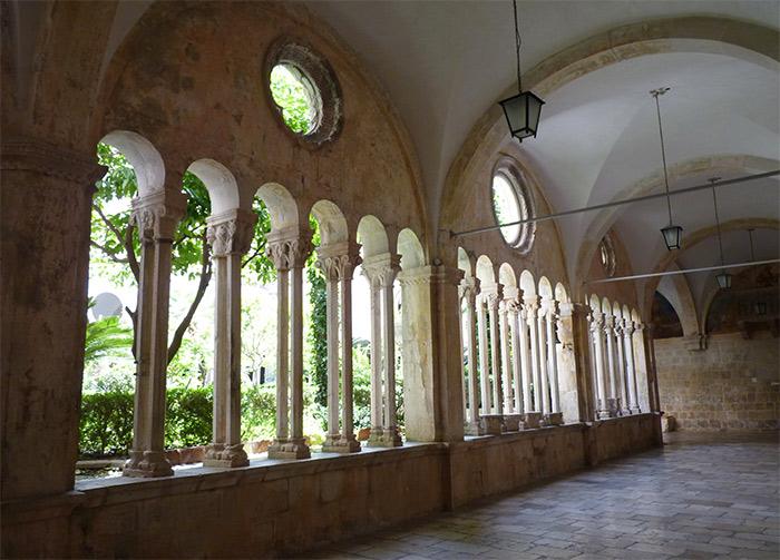 monastere dominicain dubrovnik croatie cloître