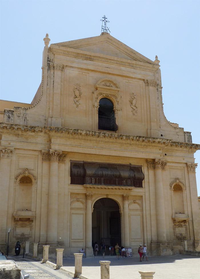 noto basilica san salvatore