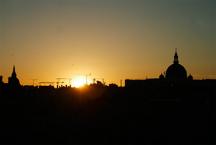 coucher soleil toits paris