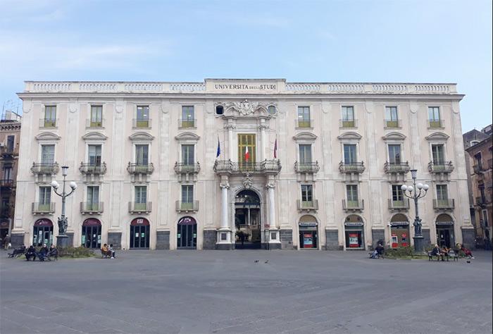 palais san giuliano catane sicile