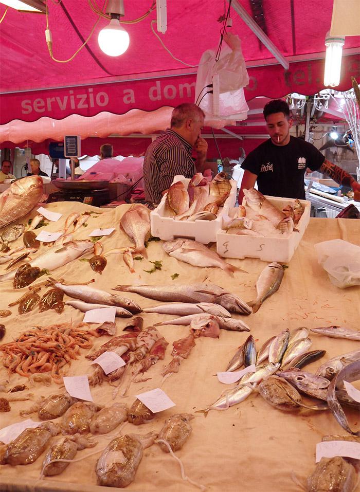 marché poissons catane sicile