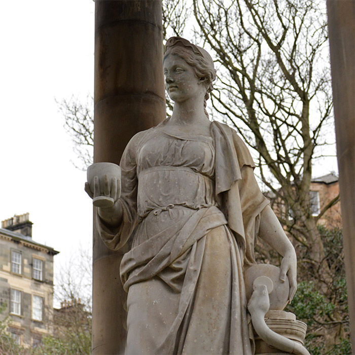 riviere leith statue hygeia ecosse