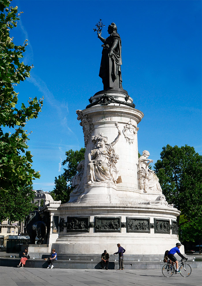 paris place de la republique