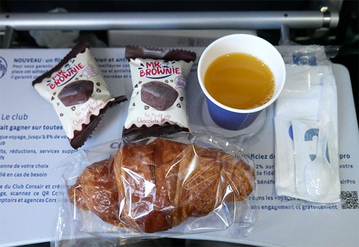 corsair avion plateau dejeuner