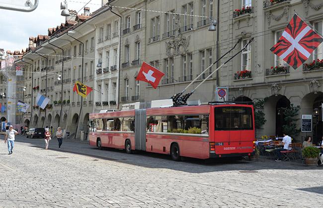 berne suisse autobus rouge