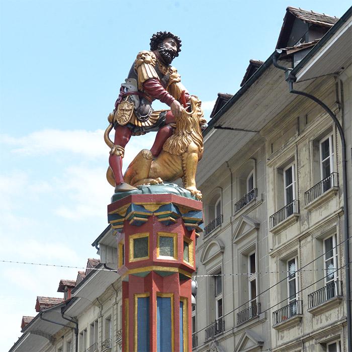 statue fontaine Samson Berne Suisse