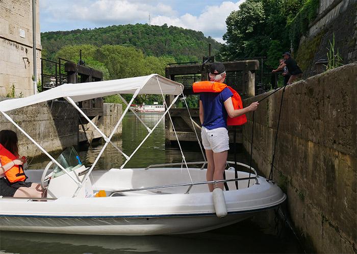 bateau électrique besancon écluse doubs