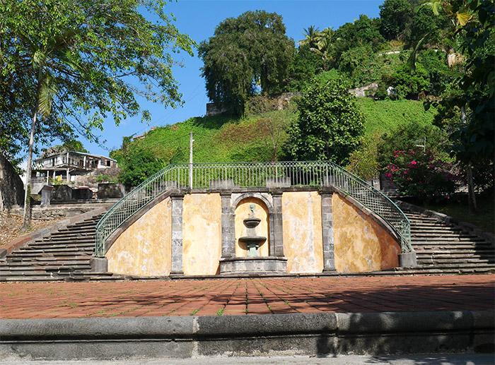 saint pierre theatre ruines