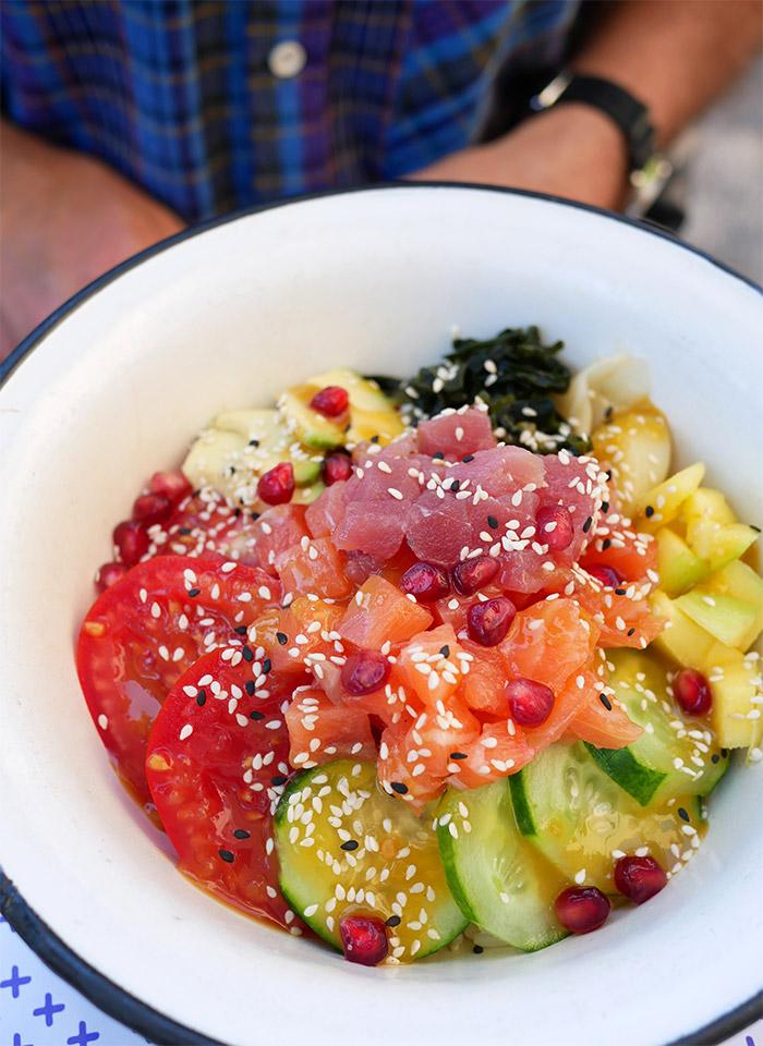 frulez bari restaurant poke bowl