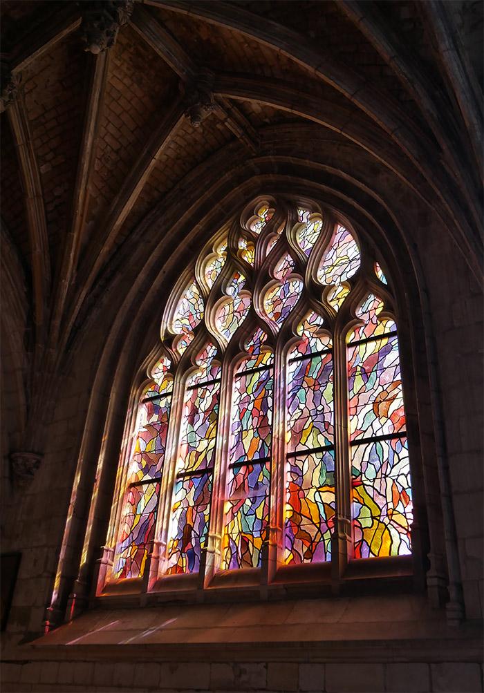 vitraux manessier abbeville eglise