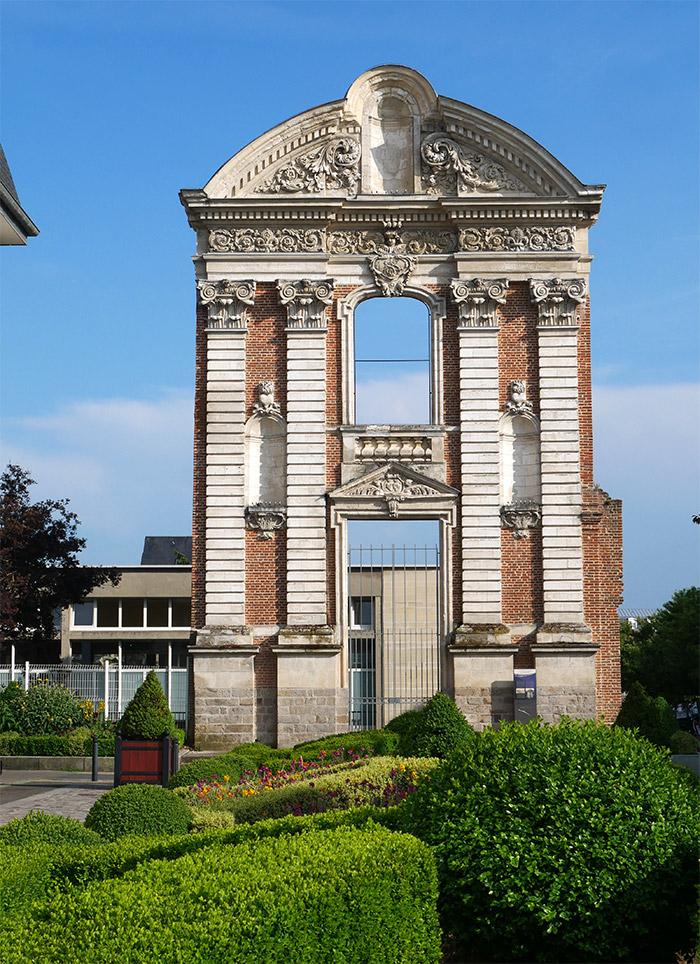 abbeville porte ancien couvent des ursulines